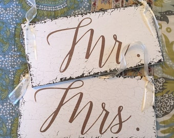 MR & MRS Chair Signs, Wedding Chair Hangers, Bride and Groom Signs, Wedding Signs, 5.5 x 11.5