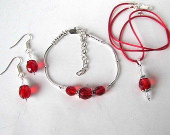 Red Necklace, Red Bracelet, Red Dangle Earrings set, Beaded 3 piece Necklace Set, Bridesmaid Jewelry, Holiday Necklace, All occasion Jewelry
