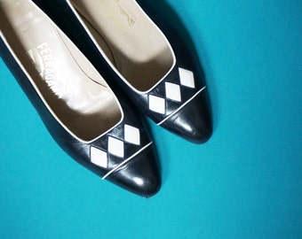 sz 10 | Vintage Black Leather White Diamond Ferragamo Pumps