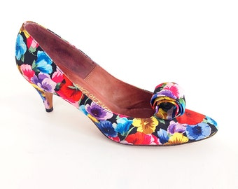 60s Flowered Fabric Shoes with Big Loop Decorations - De Liso Debs