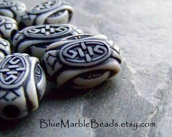 Tribal Beads,Etched Bead, Carved Bead, Lucite Bead, Ornate Bead, Asian Bead, Vintage Beads, Unique Beads, Big Hole Beads, Washed, 10 Beads