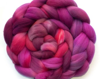 Roving Targhee Handdyed Combed Top - Drama Queen, 5.0 oz.