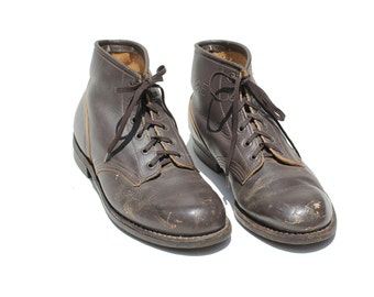 Vintage Dark Brown Leather Ankle boots / Distressed Leather Boots / size 9