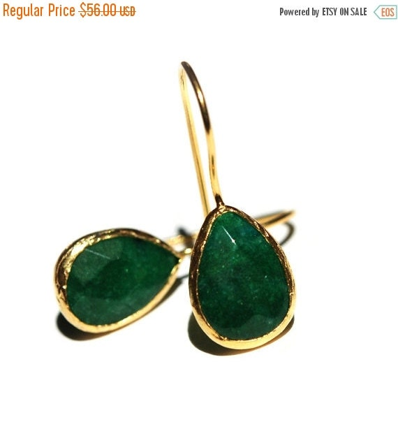 15% Discount Emerald Green Drop Earrings
