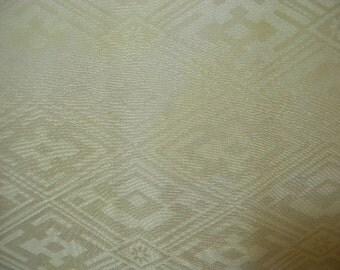 Vintage nagajuban S218, pale yellow silk
