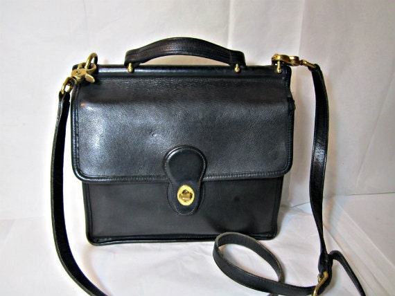 leather coach purse willis style messenger bag vintage coach. Black Bedroom Furniture Sets. Home Design Ideas