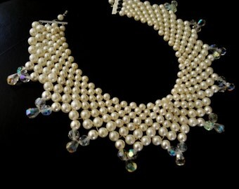 Wedding vintage 50s white faux pearl, collar-choker , scalloped necklace with aurora borealis on the ends.