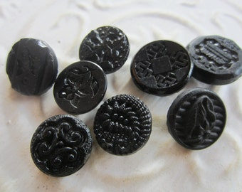 Vintage Buttons - lot of 8 black novelty glass, old and sweet, ictorian (lot may 121b )