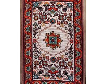 vintage area rug - handmade bohemian persian style floor rug - wall decor latch hook rug