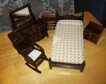 Dollhouse Miniatures bedroom set/price reduced