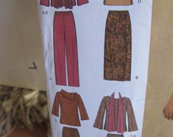 Uncut Simplicity 4886 - Size AA - Outfits