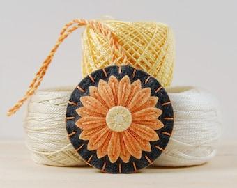 Wool Felt Scissor Fob • Orange Daisy on Gray • Hand Embroidered • Scissor Charm