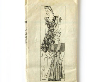 1940s Vintage Sewing Pattern - Anne Adams 4266 - Pinafore Apron with Ruffle Trim / Medium 36-38 Bust