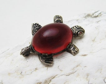 Antique Cherry Amber Turtle Pin Brooch P6936