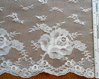 """Sheer IVORY ROSE Netted LACE Trim Trailing Leaves Tiny Flowers Scalloped Edge, Fem Gown Lingerie Lampshade Embellishment Vintage 6"""" x 5 Yds"""