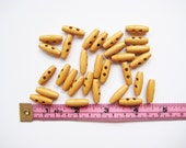 25 pcs of 2 cm Natural Wood Toggle Button - 2 Holes oval simple walnut oak mini tiny small sew knit crochet craft diy rag doll stuff toy