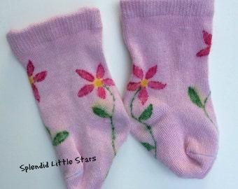 FLOWERS newborn baby SOCKS, bamboo, hand dyed, baby girl, light pink, hot pink, dark pink, newborn to 6 months