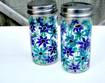 Hand Painted Salt and Pepper Shakers, Table Decoration, Hand Painted, Turquoise and Purple Flowers