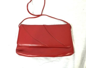 Vintage Red Rectangle Shoulder Purse. Shoulder Bags. Classic. 1980s. Envelope Clutch. Red and Black. Evening Purse. Under 20 Handbags.