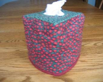 Quilted Tissue Cover in Small Red Flowers