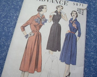 1940's Dress - Advance Pattern 5871 - Size 14 - Mademoiselle