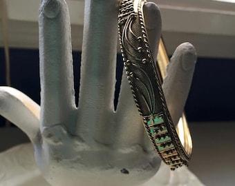 Retro Ornate Gold Tone Bangle Bracelet - Filigree Design - Textured mesh