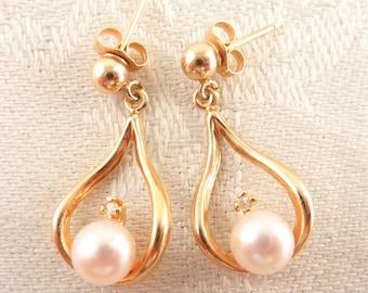 Vintage Lightweight 14K Gold Drop Pearl & Diamond Post Earrings