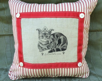 French Cat in Crown Printed on Linen Decorative Throw Pillow, PaRiS aPaRtMeNt Decor, Shabby Chic Decor
