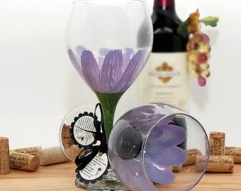 Hand painted wine glass, painted wine glass, flower wine glass, Lilac glass,  blue wedding, daisy, wine goblet, unique wine glass, flower