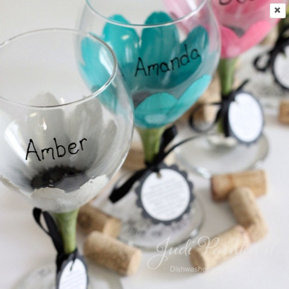 flower wine glass, painted wine glass, gerber daisy, daisy wine glass, personalized gifts, large wine glass, wine goblet,