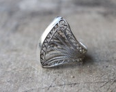Sterling Ring / Vintage Silver Filigree Jewelry / Decorative light Weight Ring