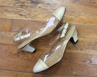 9 M Gold Not There Heels / Vintage Pumps with Vinyl / Women's Size Shoe