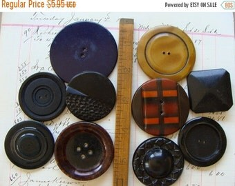 BIG SALE Antique Very Large Vintage Buttons Lot N0 38