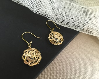 Gold Flower with Crystal Inside, Modern Jewelry, Party Fun Accessories, Wedding Party Jewelry, Bridesmaids Accessories