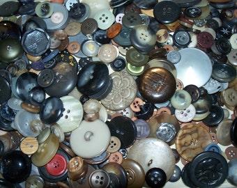 Bulk Lot, 500 Brown & Gray Buttons, Lot BG-1  (Free US Shipping)