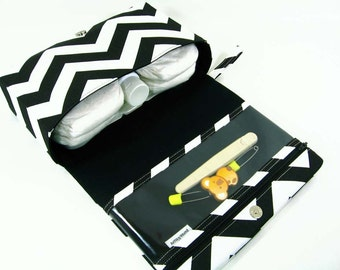 Black chevron diaper bag, baby gift, new parents, diaper purse, nappy bag organizer, diaper clutch, clear zipper pouch, fold over bag