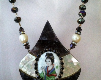 Vintage Inlaid Japanese Lady Cameo Artisan Mother of Pearl Statement Necklace One of a Kind
