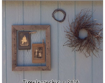 Message Board - Picture Frame - Chicken Wire Message Board - Primitive Decor - Farmhouse Decor - Chic