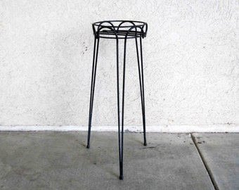 Vintage Mid Century Hairpin Wire Plant Stand in Black. Circa 1950's - 1960's.