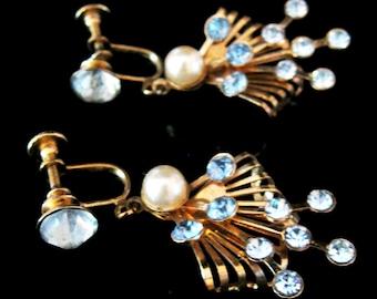 Vintage Rhinestone Earrings Blue Stones Gold Tone Setting Dangle Screw Back 1950s