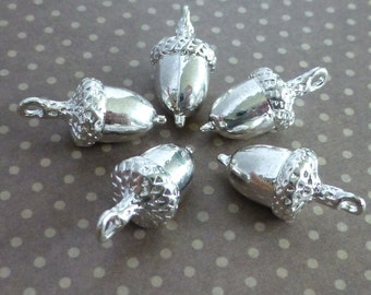 free uk postage Charm Acorn Silver Colour Pack of 10