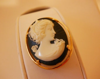 Napier Cameo Pin Brooch Black and Gold Costume Fashion Pin