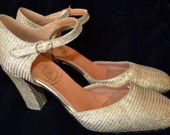 1960's Sparkly Gold Shoes size 4.5 Dead stock