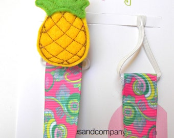 Lilly Pulitzer Pacifier holder, pacifier clip, pineapple pacifier clip, pineapple baby gift, binky holder, baby shower gift, paci clip