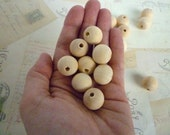 Round Wood Beads - Natural - 18mm - Pack of 10