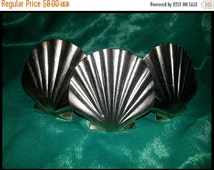 30%OFF Vintage Brass Seashell Napkin Rings/ Holders. Set of 3.