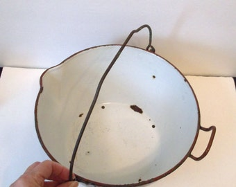 Brown Speckled Enamel Stewer Pot..Spouted Water Heating Pot..Metal Handled Camping Pot..Stock Pot