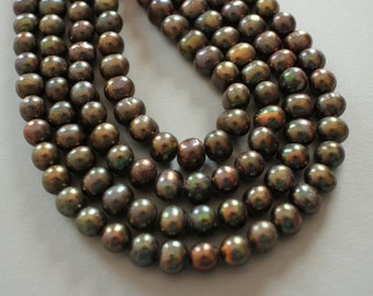Peacock Freshwater Pearl Strand - Length Drilled Full 16 Inch Strand