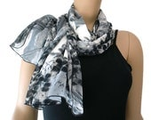 Long chiffon scarf, Charcoal/Black and gray- Long Schal  kohl grau  und schwarz  mit abstract muster-Long Foulard leger avec gris et noir