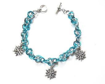 Snowflake bracelet, Snow jewelry, Winter bracelet, Turquoise and silver snow bracelet, Chainmaille bracelet